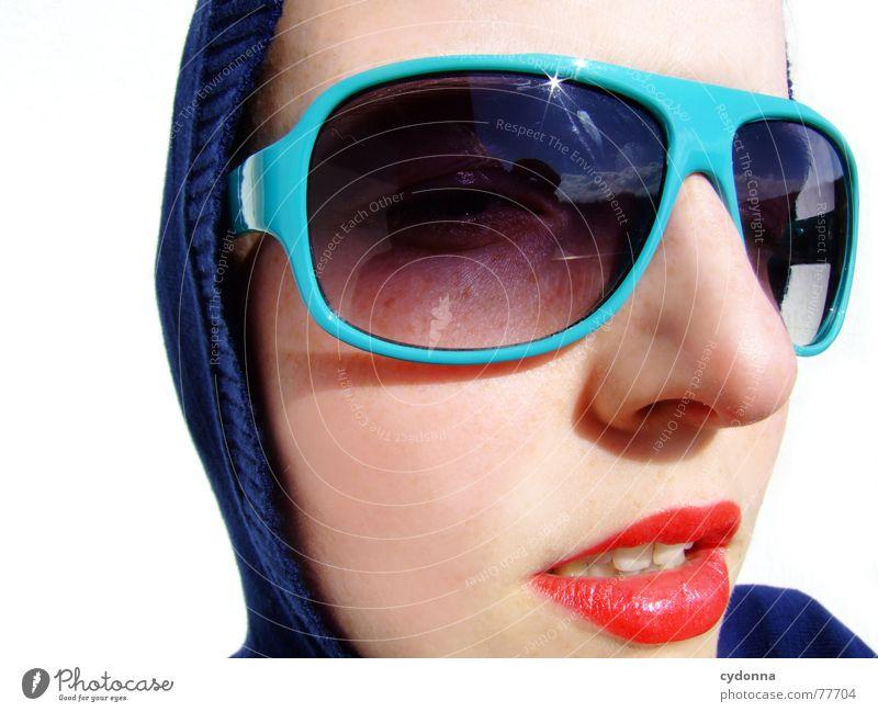 Sunglases everywhere XX Frau Mensch Sonne Sommer Gesicht Stil Haut glänzend Bekleidung Lippen Brille Reihe Kosmetik Gesichtsausdruck Sonnenbrille