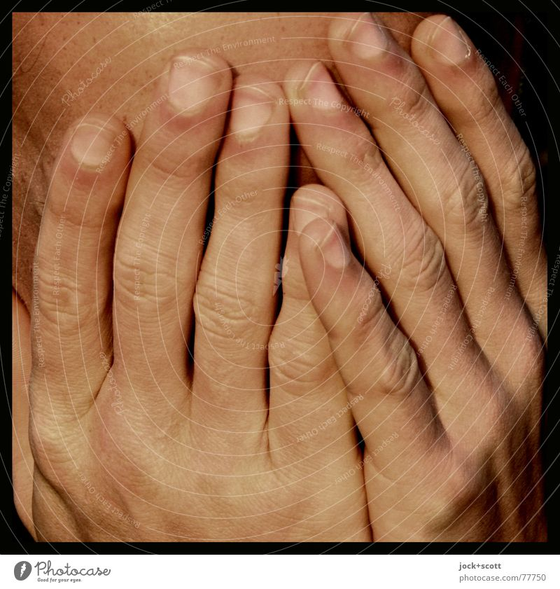 sensorischer Rezeptor Mensch Einsamkeit Hand Wärme Leben Traurigkeit maskulin orange Angst Finger Schutz festhalten nah Verzweiflung Identität Erschöpfung