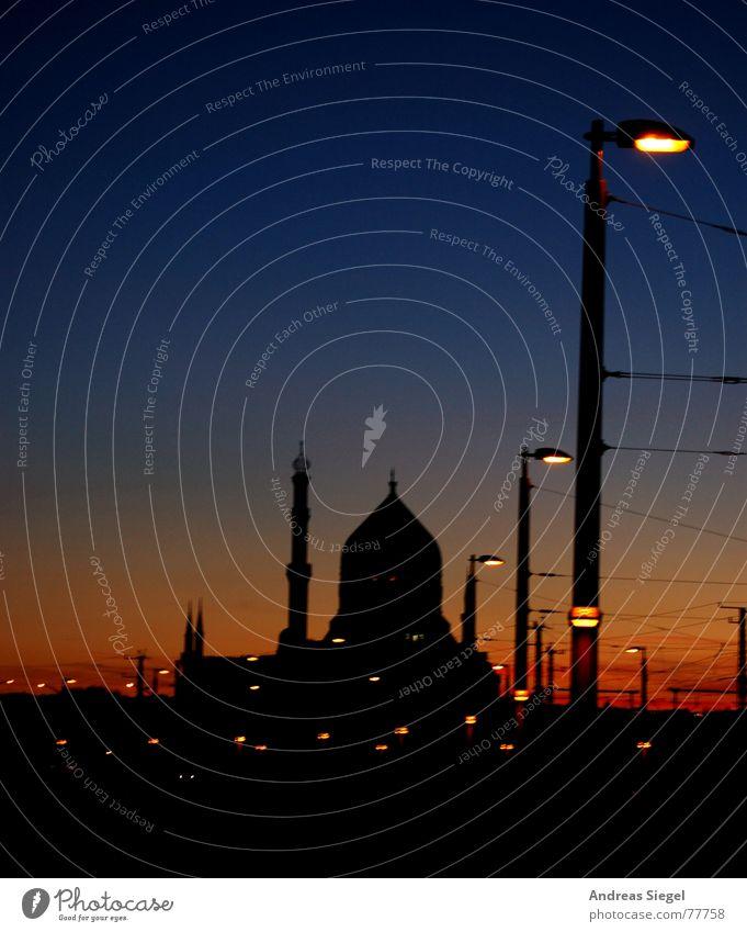 Sächsischer Orient Yenidze Tabak Moschee Fertigungsanlage Fabrik Nacht Laterne Sonnenuntergang rot schwarz Kuppeldach Dresden Abendessen Silhouette Licht
