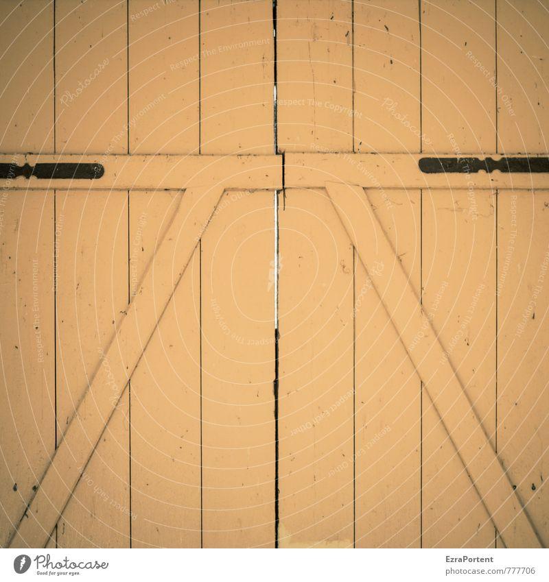 Tor Haus Bauwerk Gebäude Architektur Tür Holz Linie gelb Symmetrie diagonal Holzbrett geschlossen Beschläge Schlitz graphisch Grafische Darstellung Eingang