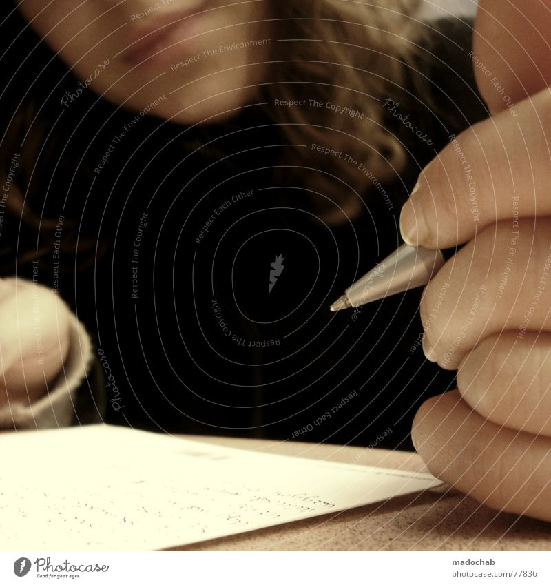 POSTCARD Mensch Frau Hand Erwachsene Denken Schule Schriftzeichen Mund Kommunizieren Finger lernen Studium Telekommunikation Bildung Postkarte Lippen