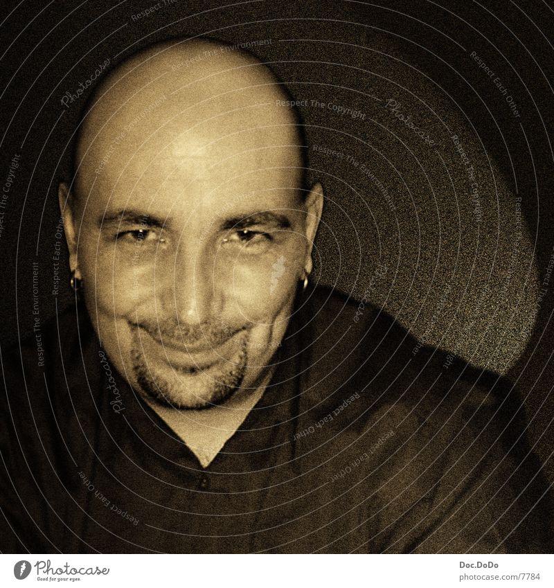 DJ Skull Glatze Porträt Mann Mensch