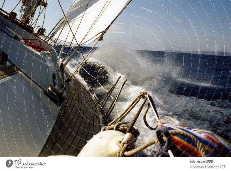 Nur durch den Wind.... Meer See fahren Segeln rau reffen