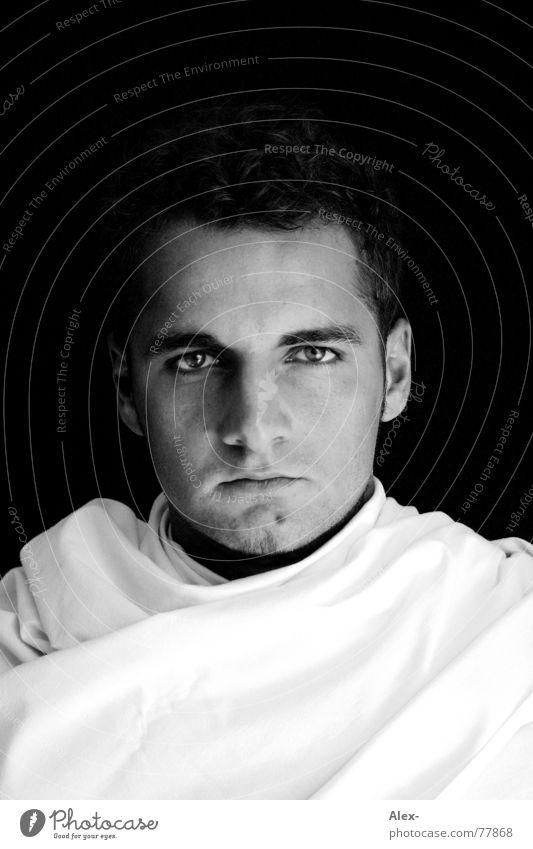 Sie nannten ihn Psycho Schminke geschminkt Bettlaken Mann Porträt Seele verrückt Krimineller gefährlich groß Blick Tuch Mensch Kopf Gesicht Traumprinz König