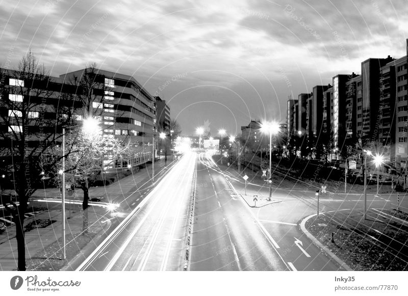 *ON_THE_ROAD* Himmel Stadt Wolken Straße Lampe Wege & Pfade Beleuchtung Hochhaus Verkehr Stadtrand Natur