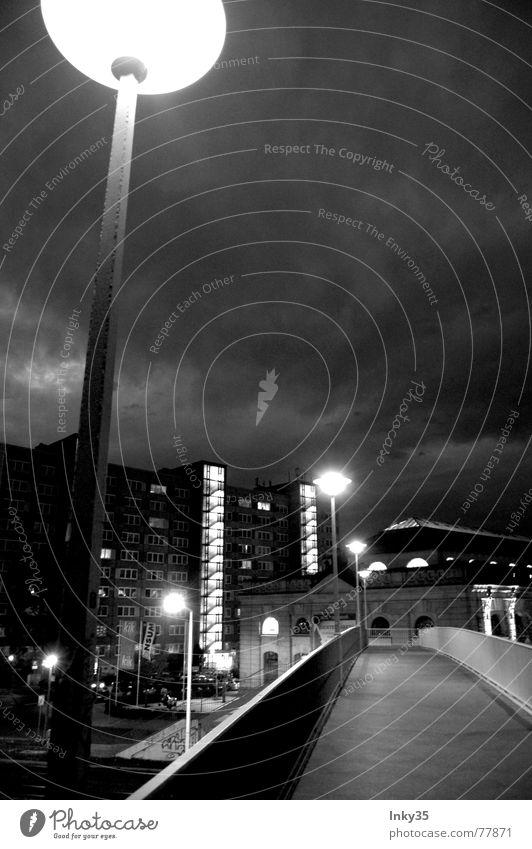 *RushThings* Himmel Stadt Wolken Straße Lampe Wege & Pfade Beleuchtung Hochhaus Brücke Stadtrand