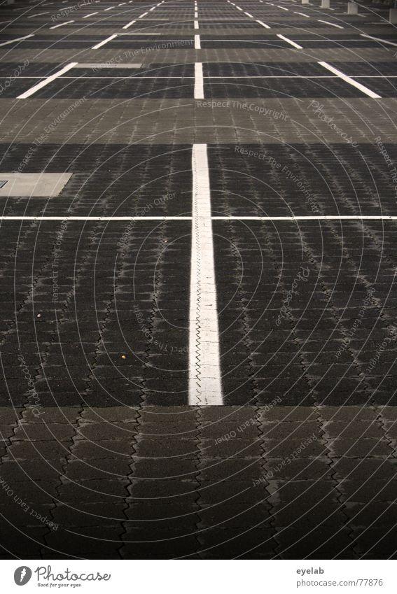 Die normative Kraft des Faktischen Ferien & Urlaub & Reisen weiß schwarz Straße grau Verkehr Streifen Hoffnung Flughafen Symmetrie Parkplatz parken Flugplatz
