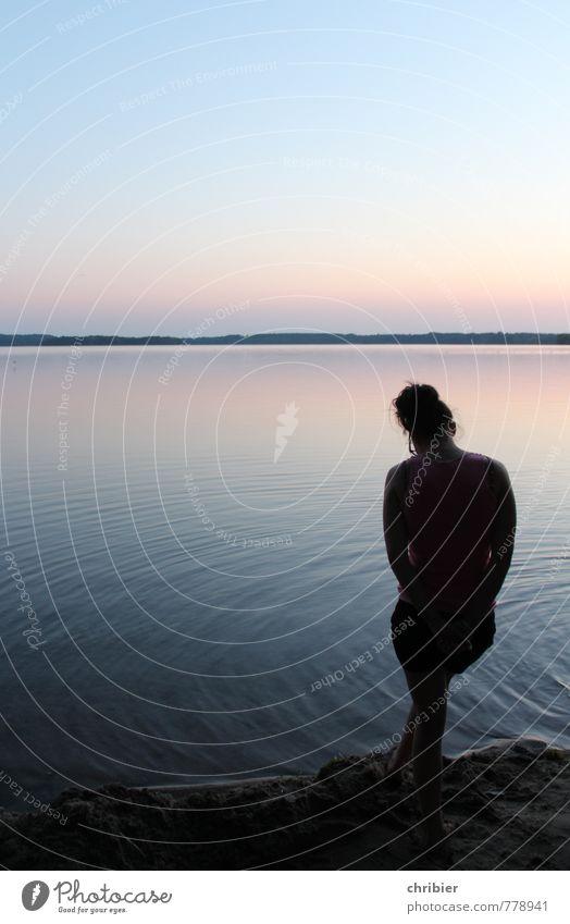 See.Jung.Frau. Mensch Himmel Jugendliche blau Wasser Einsamkeit Junge Frau Erholung ruhig 18-30 Jahre Strand Erwachsene Leben Küste Glück