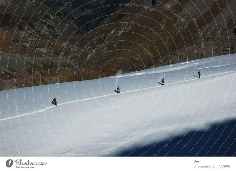 way home Bergsteigen Glacier Nationalpark wandern Ferien & Urlaub & Reisen gehen Seilschaft 4 Spuren Fußspur Herbst schön gletsch Abstieg spatziergang
