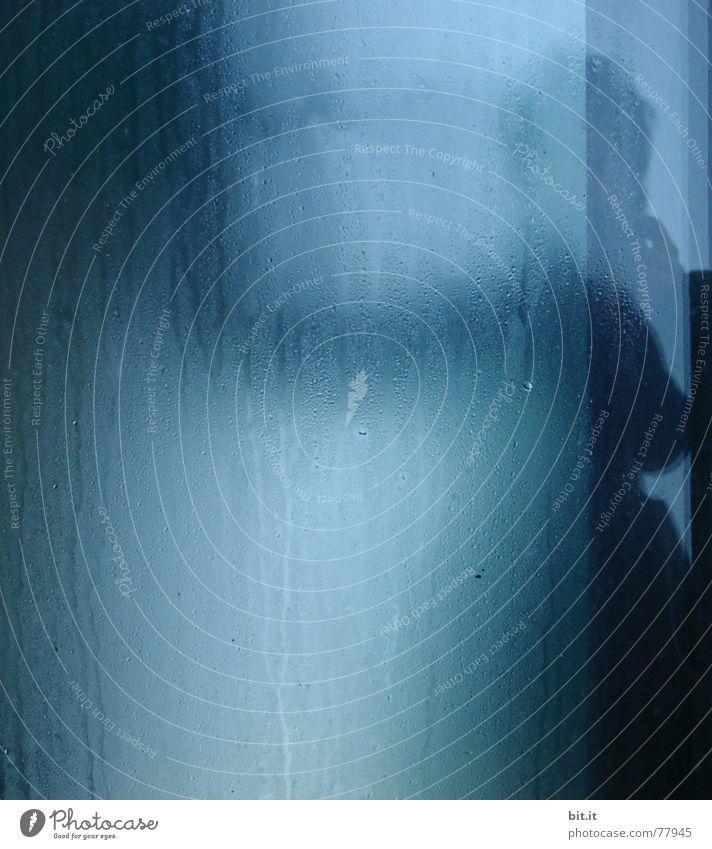 SCHAUER Frau Hintergrundbild nass feucht Geister u. Gespenster Dusche (Installation) Textfreiraum unheimlich Wasserdampf Glasscheibe spukhaft schemenhaft Unter der Dusche (Aktivität) Glaswand
