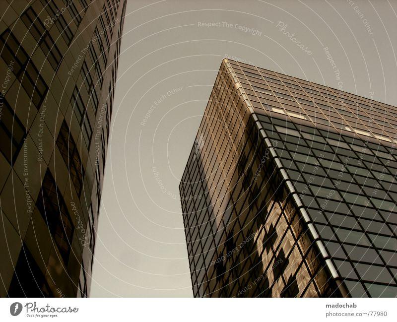 KONTRAHENTEN Himmel Stadt blau Wolken Haus Fenster Leben Architektur Gebäude Freiheit fliegen oben Arbeit & Erwerbstätigkeit Wohnung Design Wetter