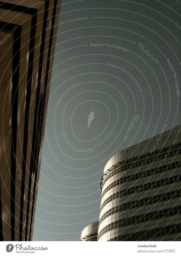 UNFRIENDLY TAKEOVER - ES LEUCHTET VOR FREUDE... Himmel Stadt blau Wolken Haus Fenster Leben Architektur Gebäude Freiheit fliegen oben Arbeit & Erwerbstätigkeit