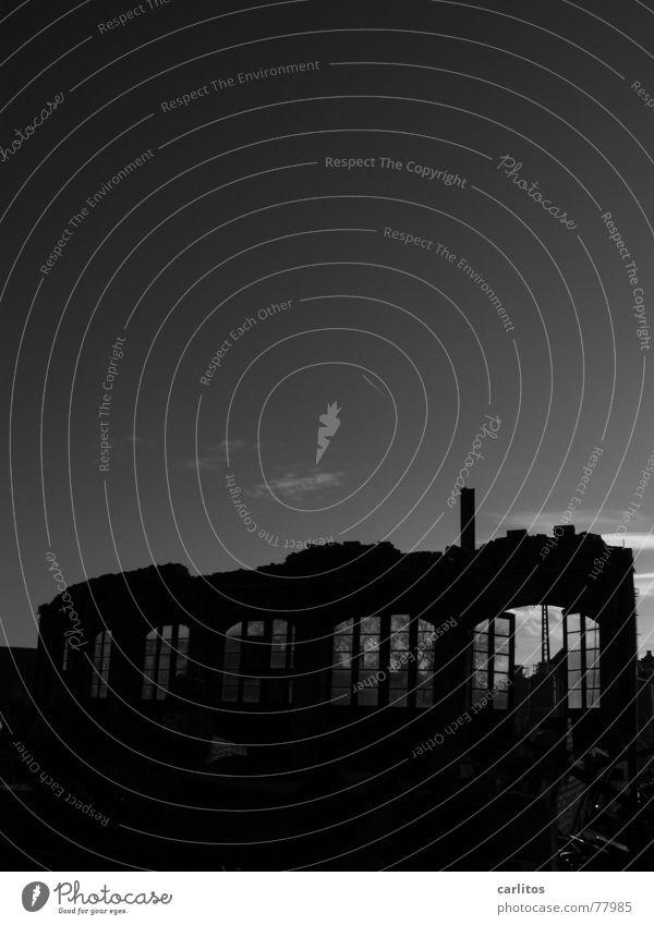 dark side of the .... Drehscheibe verwandeln Bauschutt Ausbesserungswerk Bogen Demontage Backstein Mauer Schrott entsorgen außer Betrieb Silhouette kaputt trist