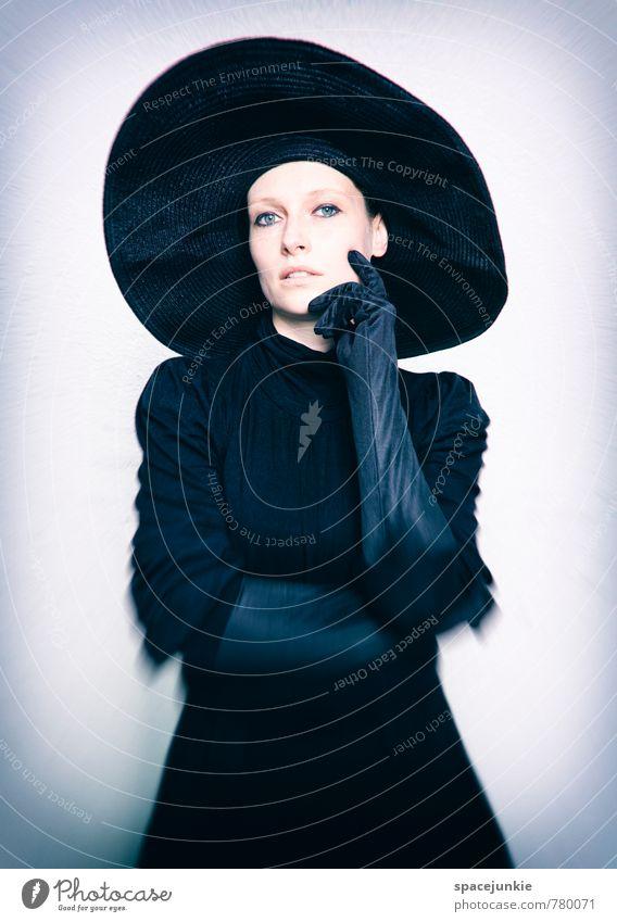 Franziska schön Mensch feminin Junge Frau Jugendliche Erwachsene 1 18-30 Jahre Mode Bekleidung Kleid Handschuhe Hut berühren ästhetisch außergewöhnlich elegant