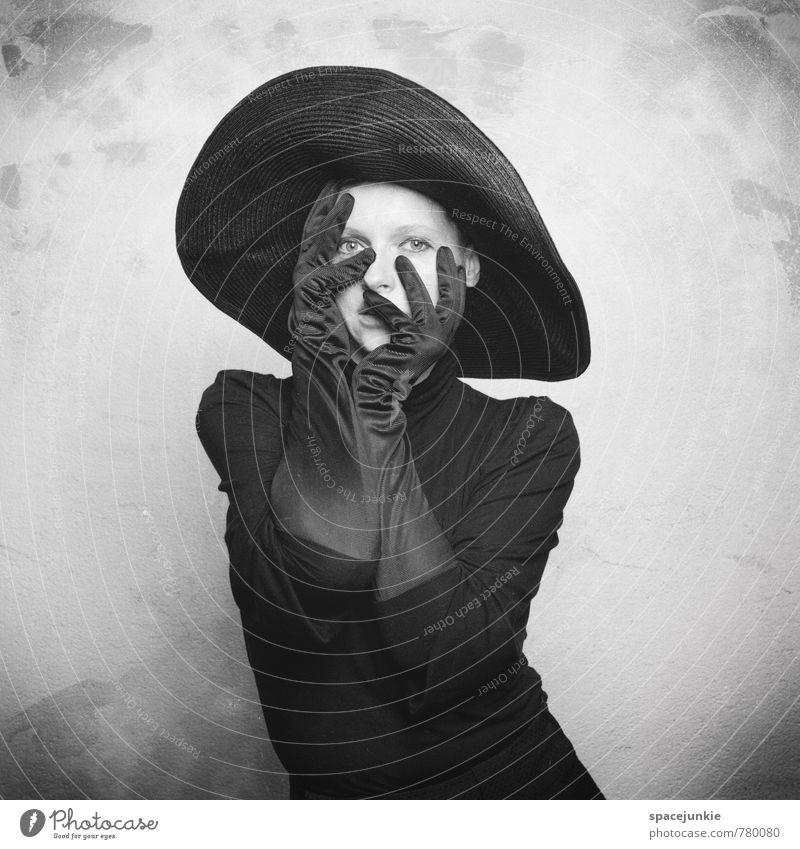 Hidden face Mensch feminin Junge Frau Jugendliche Erwachsene 1 18-30 Jahre Mauer Wand Mode Kleid Handschuhe Hut beobachten berühren außergewöhnlich dreckig