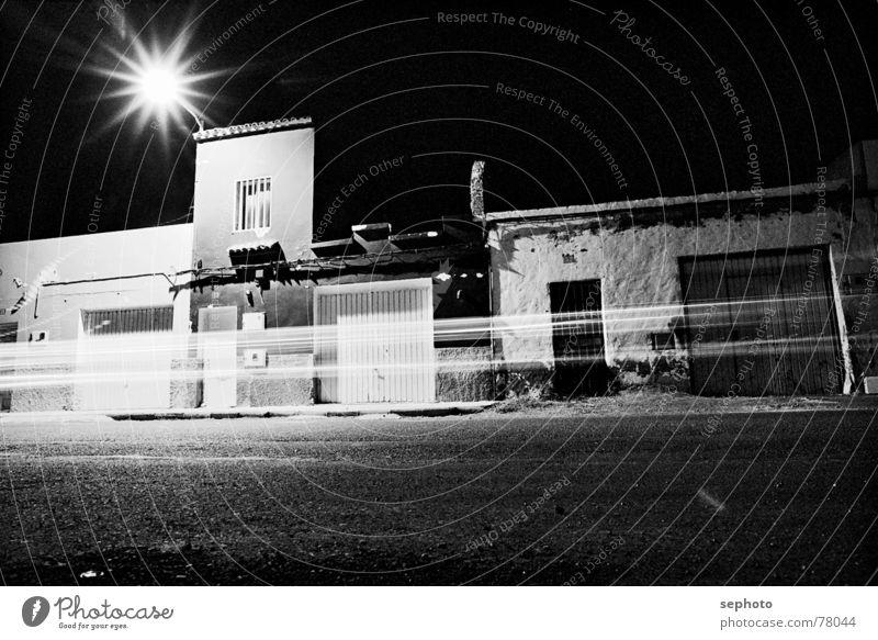Übernächtigtes Pozo Nacht Spanien Gran Canaria Haus dunkel Lampe lang Zeit ruhig Ausdauer Linie Stimmung Rauschen Fenster Garage Stern (Symbol) Sternschnuppe