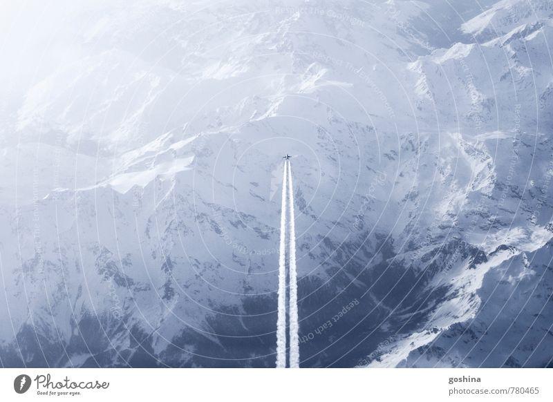 The Plane Abenteuer Ferne Freiheit Berge u. Gebirge Luftverkehr Landschaft Himmel Schnee Alpen Flugzeug Passagierflugzeug fliegen Fernweh Frieden