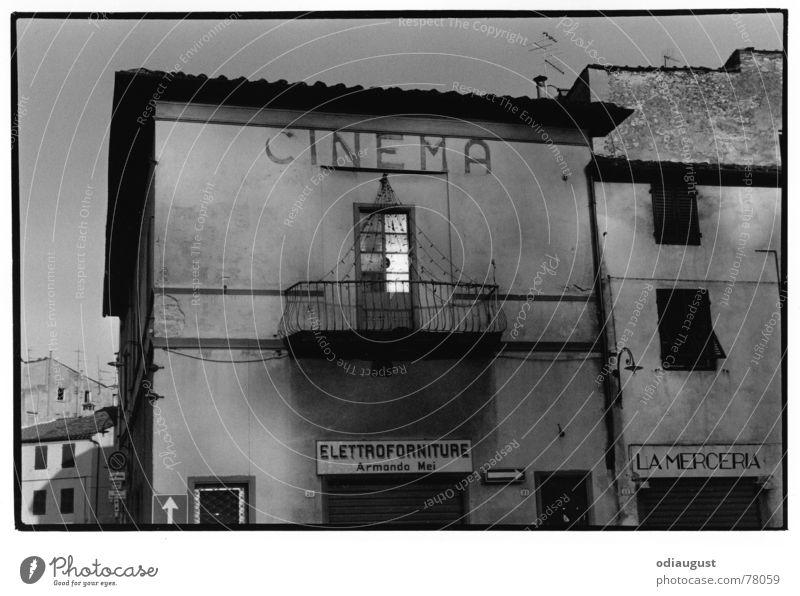 cinema italia Haus Italien Kino Toskana Altbau Abendsonne Kintopp