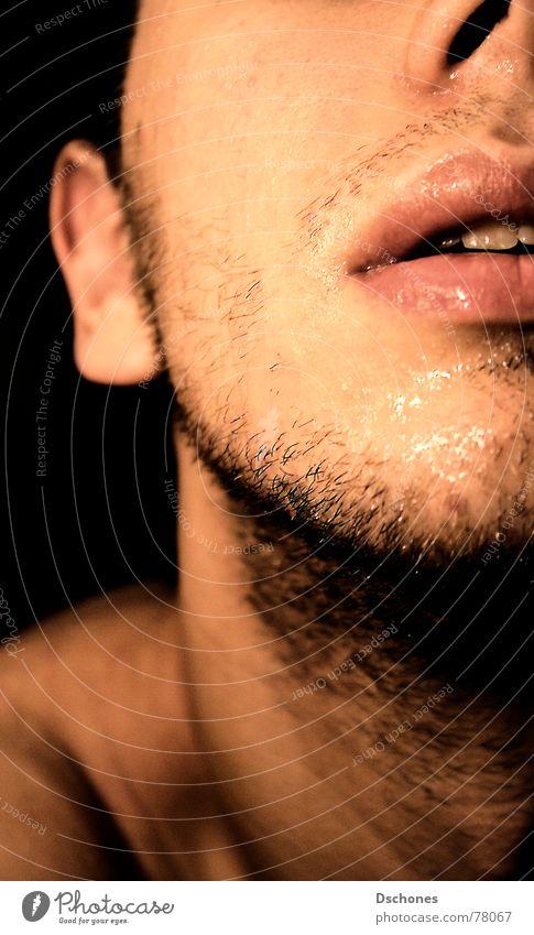 Exusu ² Mann Jugendliche Wasser Freude Gesicht Auge dunkel Freiheit Junger Mann maskulin Nase Schutz genießen stark Locken Mut