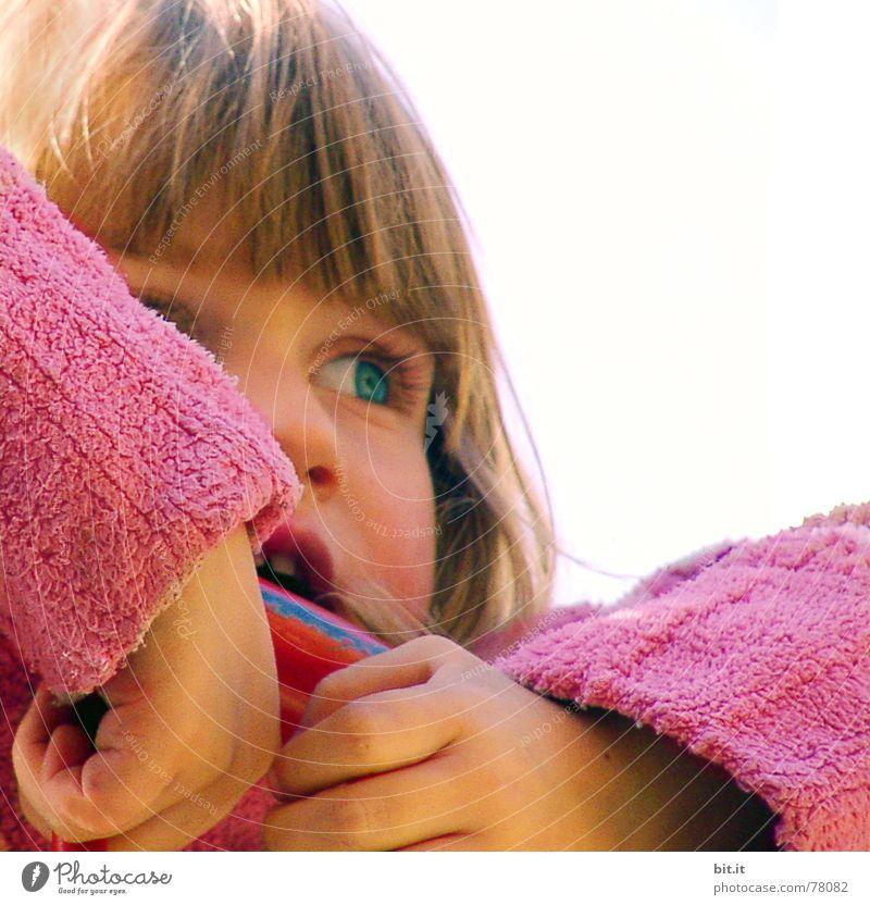 TRAUMKIND Mädchen blond Kind niedlich beobachten positiv Pony Anschnitt kindlich Kinderhand Kinderaugen Gesichtsausschnitt allerliebst Kindergesicht 1-3 Jahre