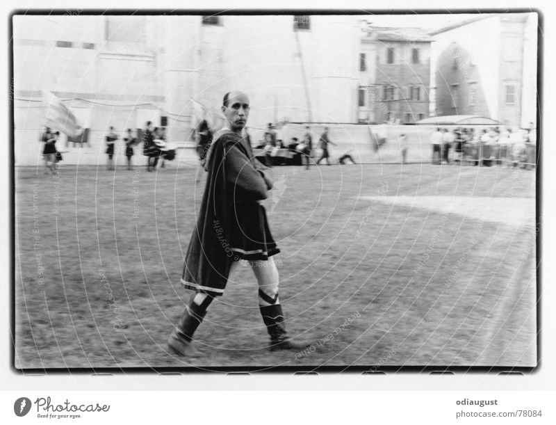 stolzer Blick Mann Feste & Feiern Platz Italien Toskana Mittelalter Bogenschütze Siena