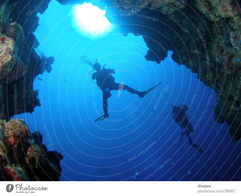 Canyon Dahab Schlucht Ägypten tauchen Taucher Meer Tauchgerät Höhle blau blue egypt Rotes Meer red sea diving diver water Wasser deep blue tief Sonne sun cave