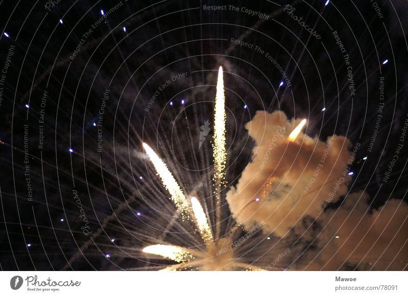 Feuerwerk Silvester u. Neujahr Explosion Himmel Freude knallen