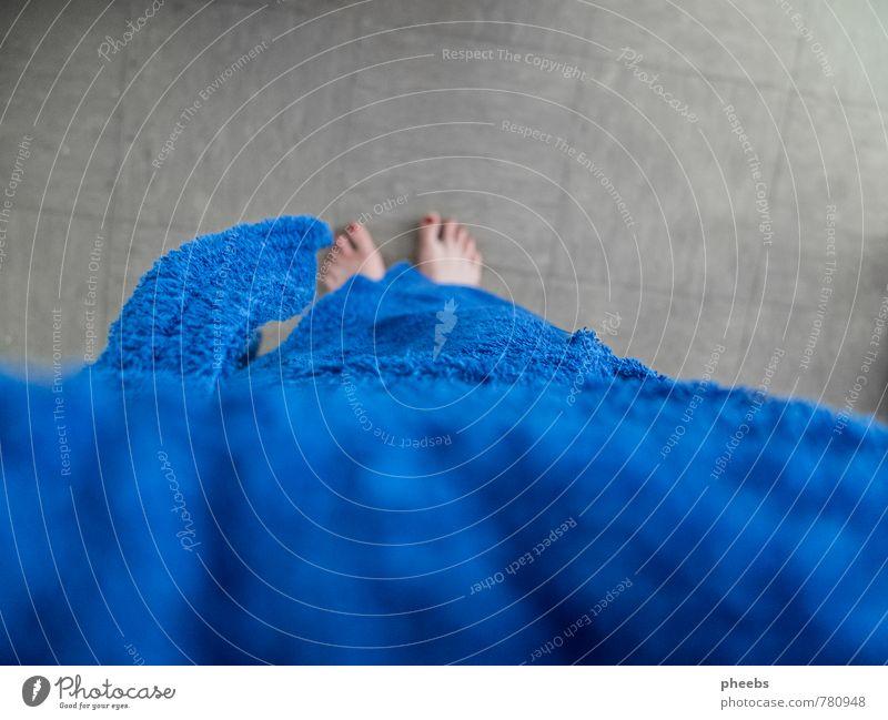 handtuch.hülle Beine Fuß frisch Badewanne Bodenbelag Sauberkeit Fliesen u. Kacheln Zehen Nagellack Bademantel