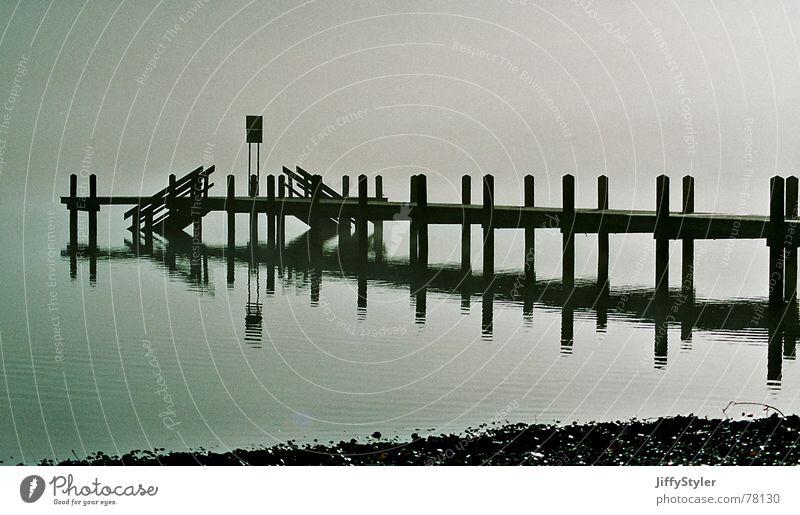 Nebelsteg See Steg Einsamkeit Reflexion & Spiegelung Wasser Landschaft Natur leer Schatten