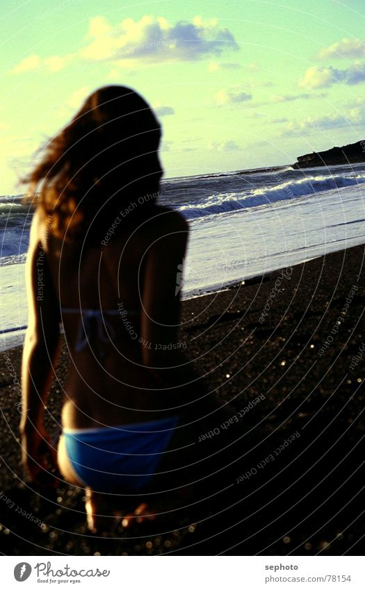 Lanzarote Babe Frau Kind blau Wasser Ferien & Urlaub & Reisen Sonne Mädchen Sommer Meer Wolken Erotik Spielen Haare & Frisuren Wind Wellen blond