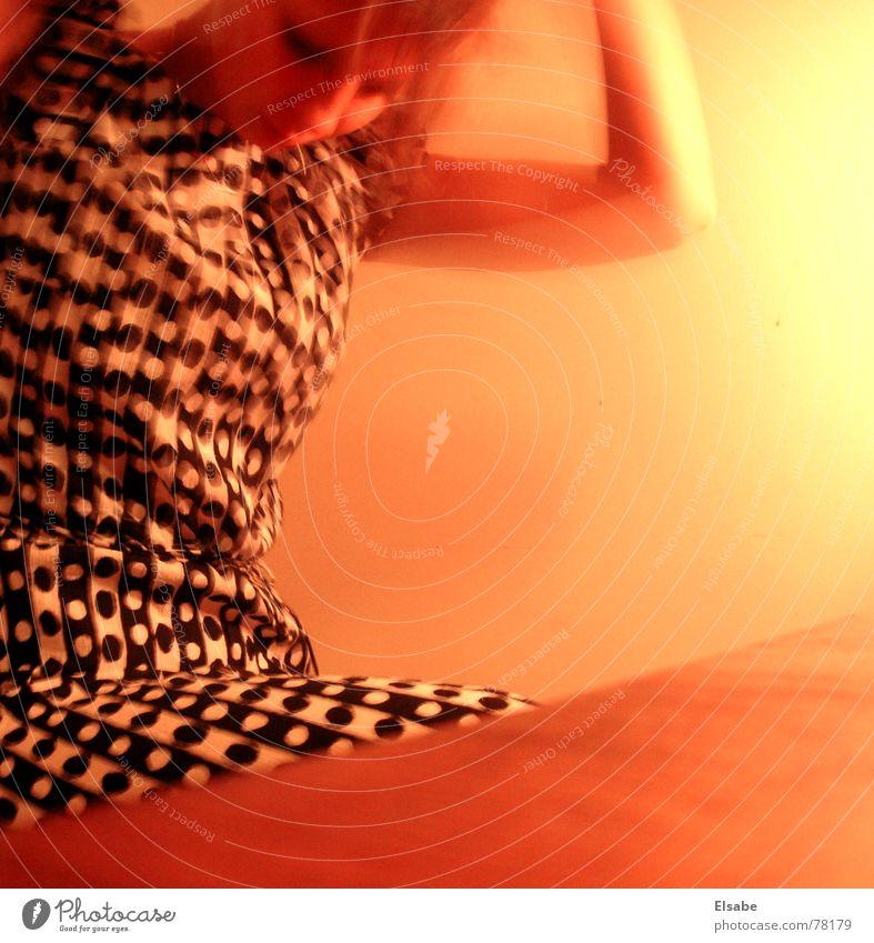 Das Kleid Paris Muster Frau Mädchen gelb schön Arme Haare & Frisuren Bewegung