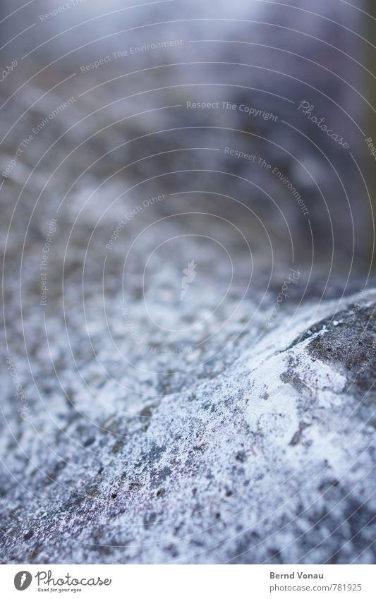 sanfter verfall Wetter Hügel Beton alt rund weich blau grau verwittert Ablösung Riss Farbfoto Außenaufnahme Strukturen & Formen Menschenleer Tag Licht