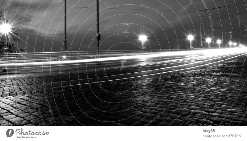 *Auf Die Schnelle* Licht Stadt Hochhaus Wolken Lampe Stadtrand Geschwindigkeit Laterne Kopfsteinpflaster Straßenbahn Wege & Pfade Beleuchtung Brücke