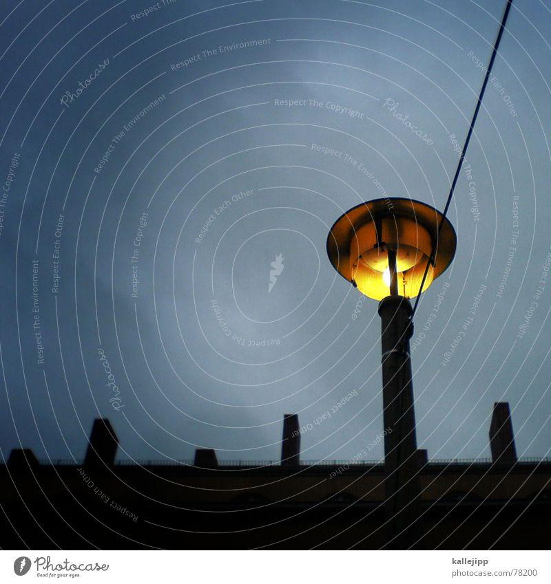 spaceship twentyseven Haus Wand Laterne Weltall Osten UFO Alexanderplatz Astronaut Brandmauer Handy-Kamera