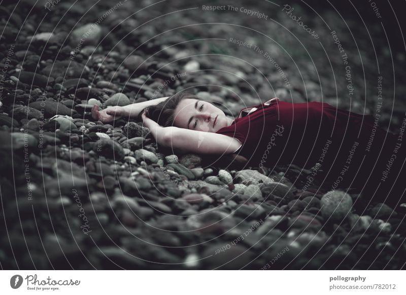 ... Mensch Frau Natur Jugendliche schön Sommer Einsamkeit Junge Frau Strand 18-30 Jahre Erwachsene Leben Traurigkeit Gefühle feminin Küste