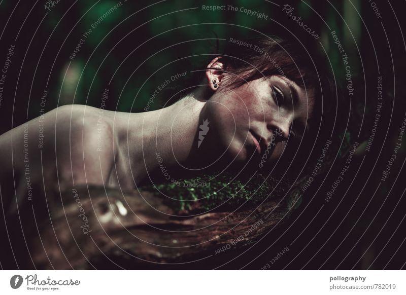 ... Mensch Frau Natur Jugendliche Pflanze Sommer Baum Junge Frau Einsamkeit 18-30 Jahre Wald Erwachsene Leben Traurigkeit Gefühle feminin