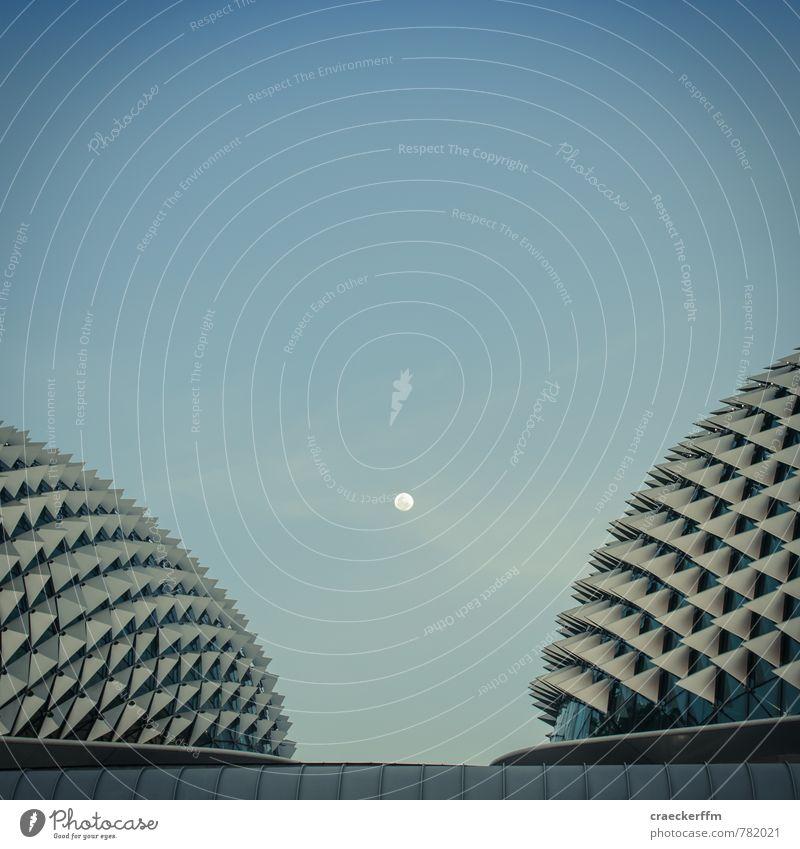 Mondurian Singapore Asien Stadt Hauptstadt Menschenleer Bauwerk Architektur Theater Dach Sehenswürdigkeit Esplanade Theater by the Bay ästhetisch blau Vollmond