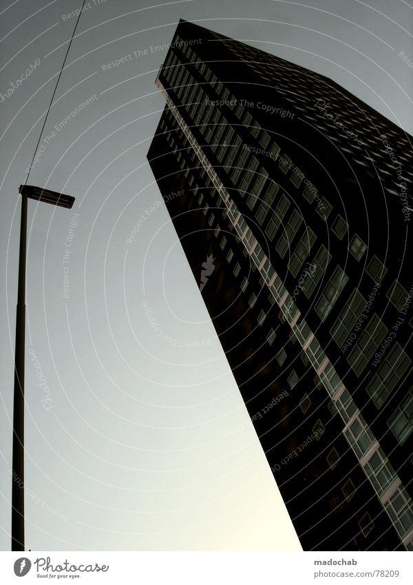 SKYHIGH GRAPHICS Himmel Stadt blau Wolken Haus Fenster Leben Architektur Gebäude Freiheit fliegen oben Arbeit & Erwerbstätigkeit Wohnung Design Wetter