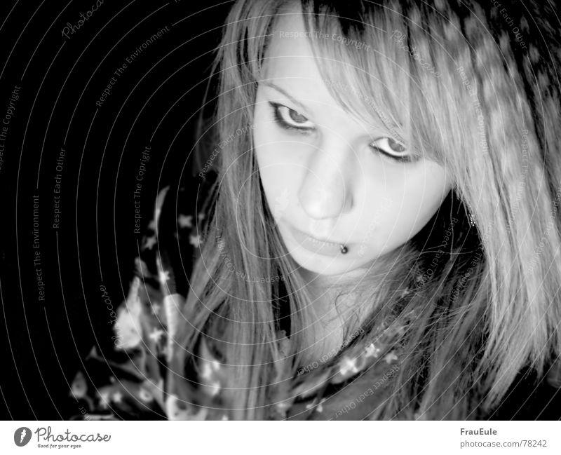 Baby, es ist Schlafenszeit Jugendliche dunkel Wellen Stern (Symbol) Wut Müdigkeit Piercing Stolz selbstbewußt Schlafzimmer Schmuck Schlafanzug Nachtruhe