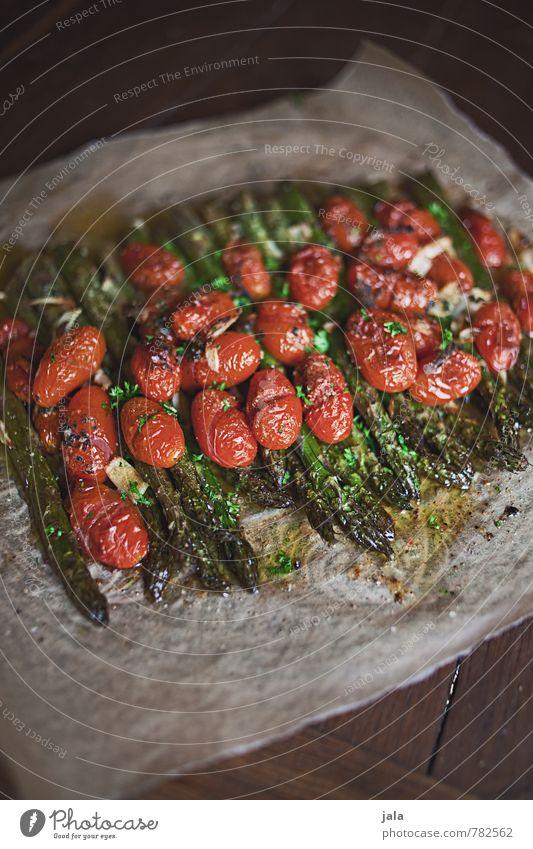 ofenspargeln Lebensmittel Gemüse Spargel grüner spargel Tomate Spargelgericht Ernährung Mittagessen Abendessen Bioprodukte Vegetarische Ernährung