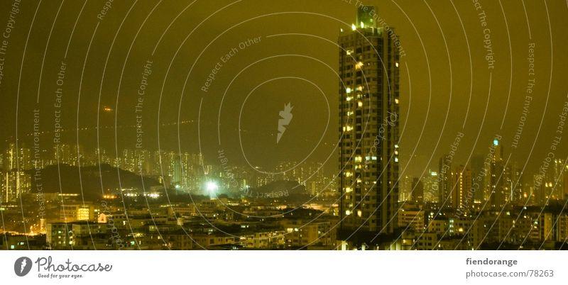 yellow night Stadt Einsamkeit groß Hochhaus Aussicht Skyline Panorama (Bildformat) Hongkong vertraut Kowloon
