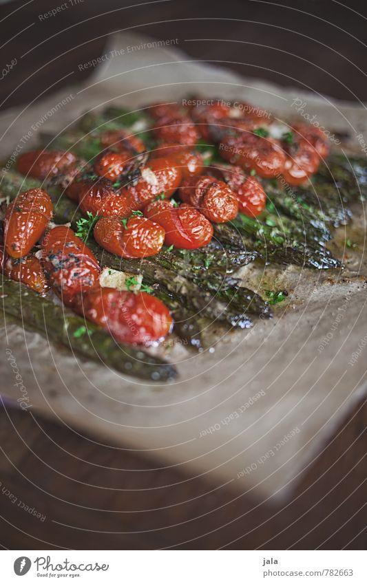 ofenspargeln Lebensmittel Gemüse Tomate Spargel grüne Spargel spargelgericht Ernährung Mittagessen Bioprodukte Vegetarische Ernährung Gesunde Ernährung frisch