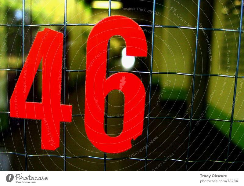 postcard no. 46 Hintergrundbild Oberfläche Eisen Gitter Ziffern & Zahlen Haus Gebäude Bauwerk Fenster Glastür Eingang Eingangstür Metall Netz betrag Tür