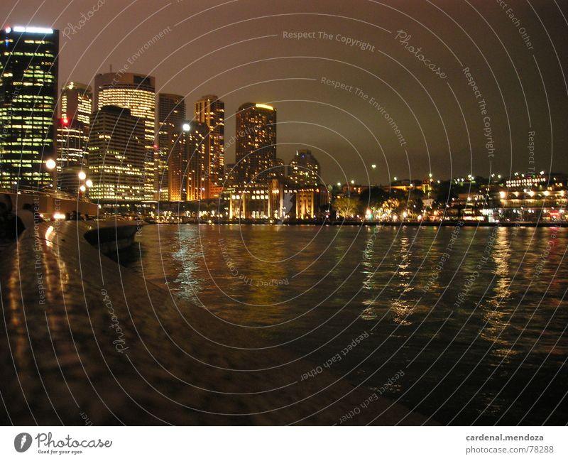 Sydney Harbour at night Harbour Bridge Nacht Fenster Haus Hochhaus Reflexion & Spiegelung Wellen Mauer Anlegestelle Stadt Stadtzentrum Australien