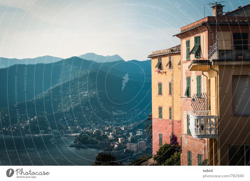 San Rocco / Italien Ferien & Urlaub & Reisen Tourismus Ferne Sightseeing Städtereise Sommerurlaub Meer Landschaft Wolkenloser Himmel Schönes Wetter Wald Hügel