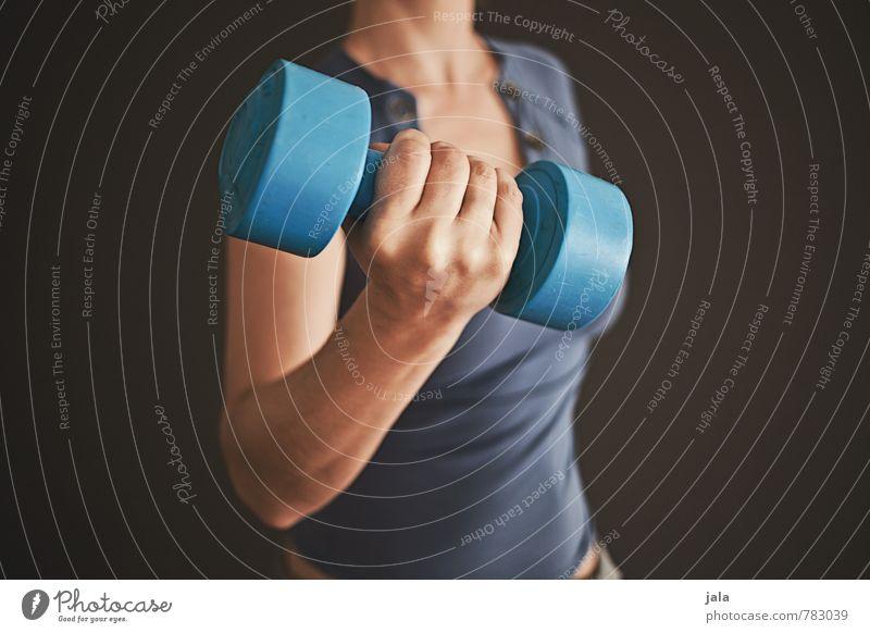 hantel Gesundheit sportlich Fitness Freizeit & Hobby Mensch feminin Frau Erwachsene Arme Hand 1 30-45 Jahre Sport Hantel Farbfoto Innenaufnahme
