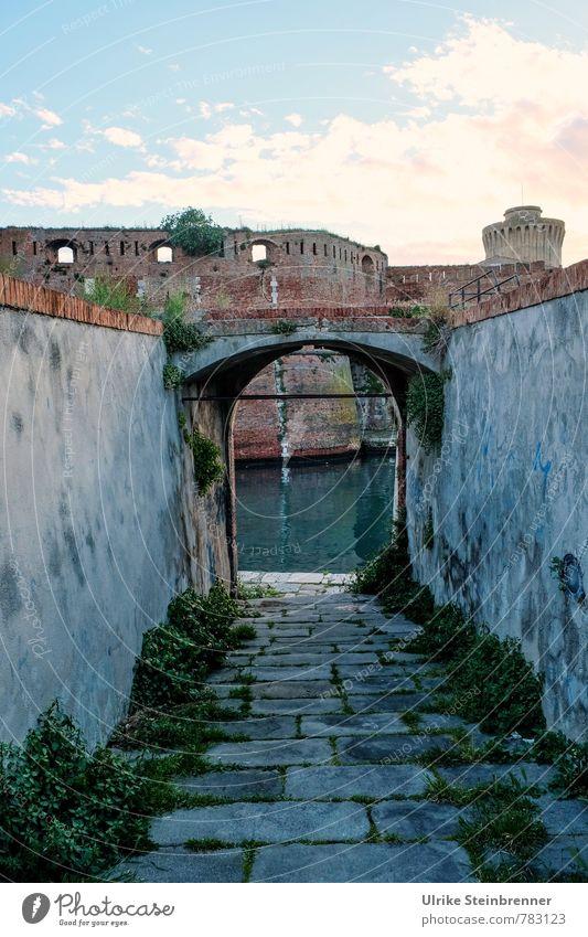 Fortezza Vecchia, Livorno Ferien & Urlaub & Reisen alt Stadt dunkel Wand Architektur Mauer Tourismus Turm Wandel & Veränderung Vergänglichkeit historisch