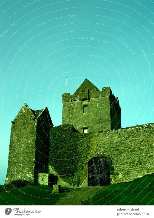 wenn der burgherr 3x klingelt _ 2 Killarney Burren Denkmal Europa Festung Himmel Wolken Kunst Sightseeing alt Mauer Steinmauer verstecken Aufenthalt Gebäude