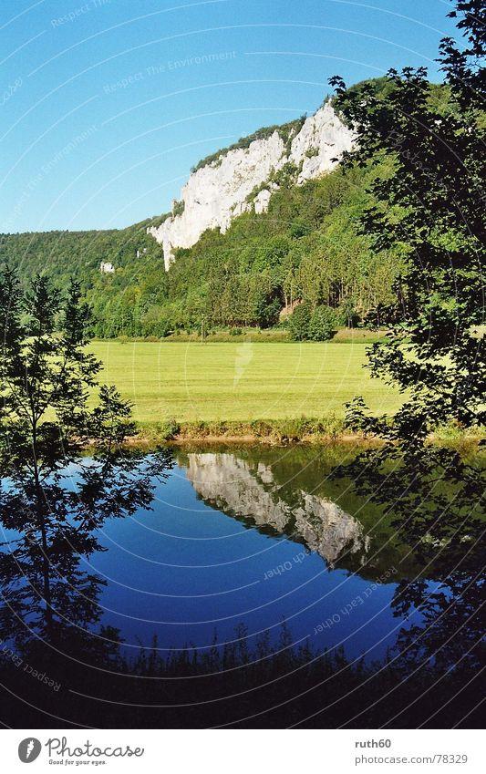 Obere Donau Reflexion & Spiegelung Sommer Fluss Wasser Felsen Natur blau