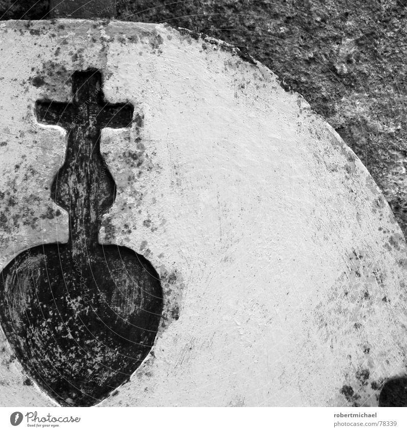 gestohlenes herz weiß schwarz Ferne Liebe Tod Leben dunkel Stein Religion & Glaube Traurigkeit Mauer hell Rücken Herz Hoffnung Ecke